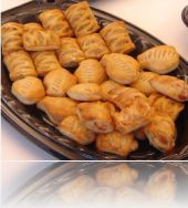 13255-pastra-beef-rolls-with-chicken-cubes-of-cheddar-cheese.jpg